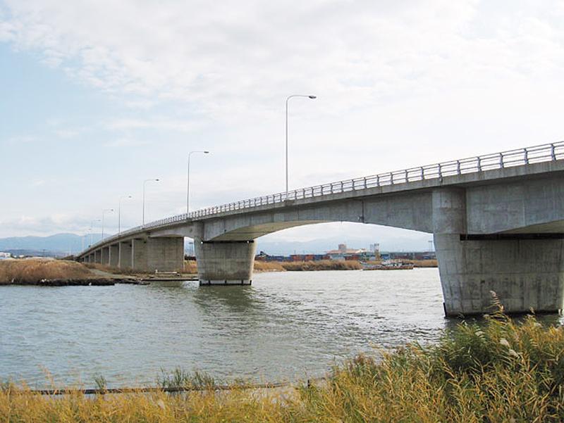 金沢港大橋